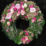 Friedhof Diedorf Trauerkranz Blumen Flaschka